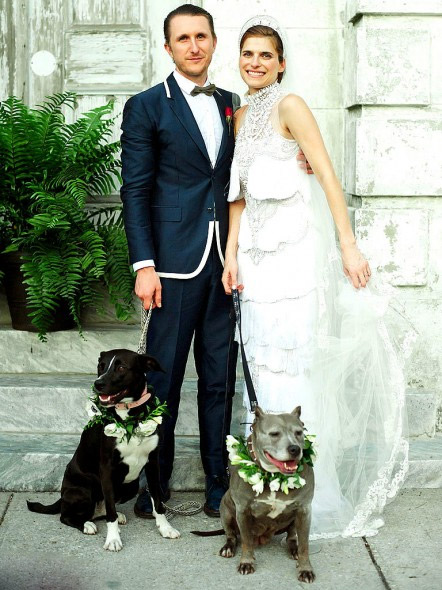 lake-bell-wedding-photo-with-dog